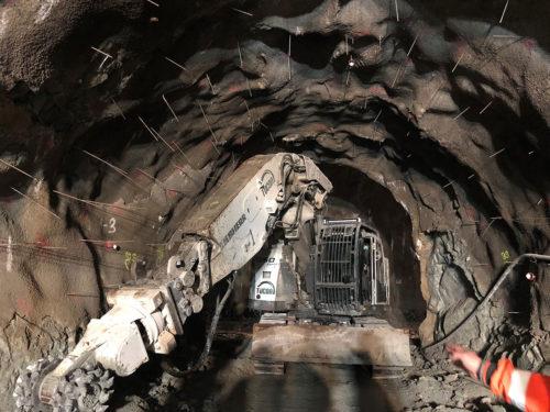 Reprofilácia primárneho ostenia striekaným betónom v tuneli Višňové